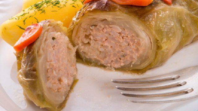 12-corned-beef-cabbage-rolls-1479749